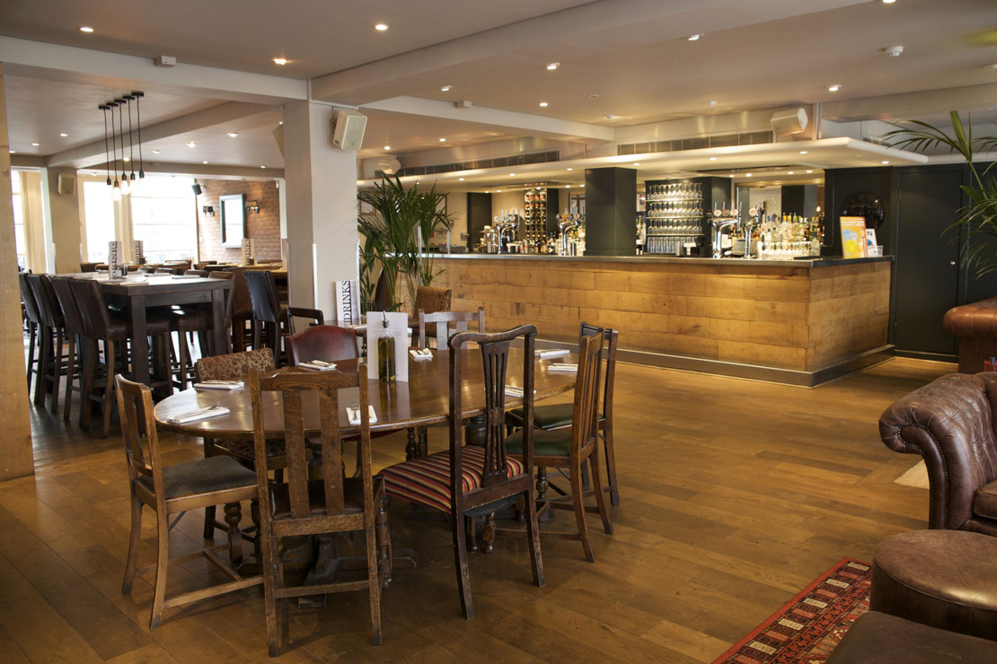 Take A 360 Tour Of The Fence Pub And Restaurant In Farringdon